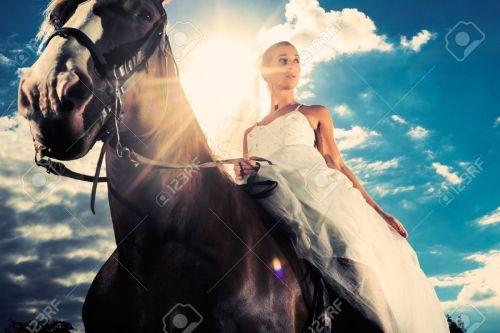 novia-en-caballo